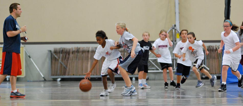 NBC Camps younger basketball players