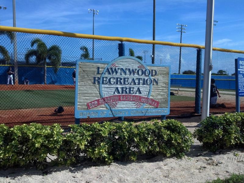 Lawnwood_Sign.jpg