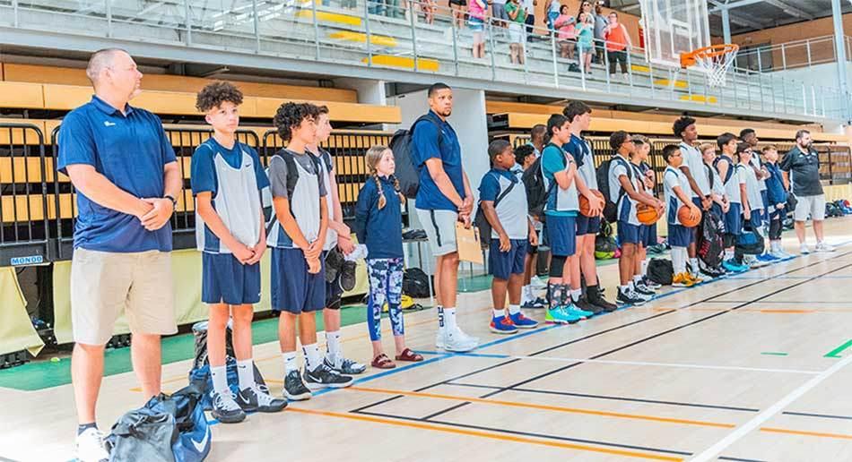 Ciego Escultura Transeúnte  Nike Boys Basketball Camp Tour