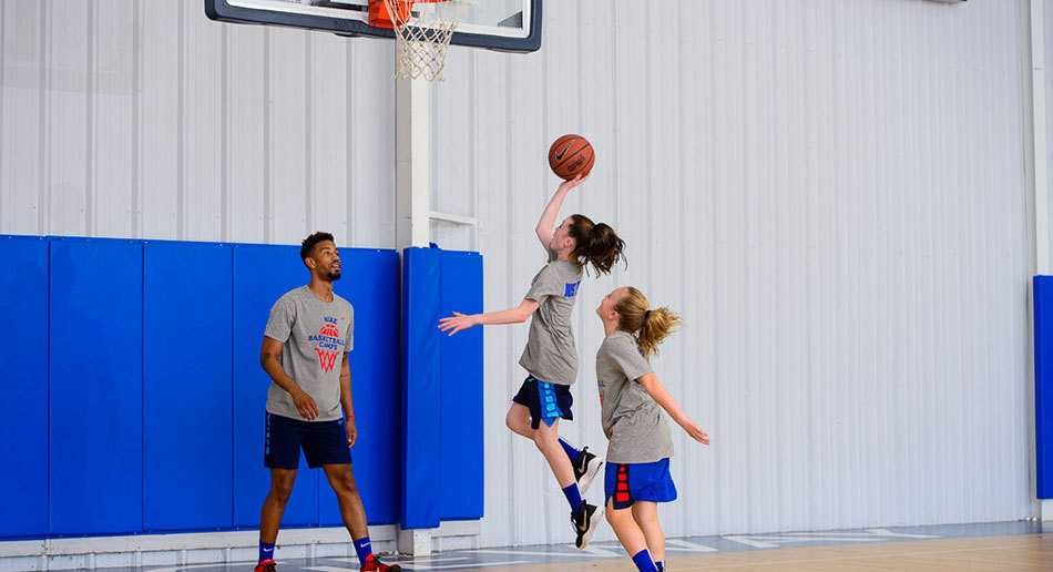 girls nike basketball