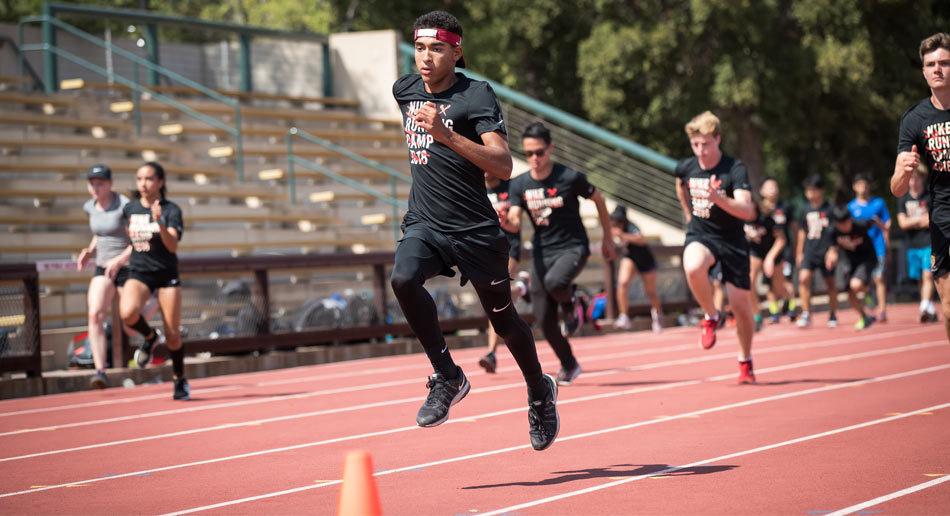 secundario partido Democrático harto  Nike Track & Field Camp Loomis Chaffee School